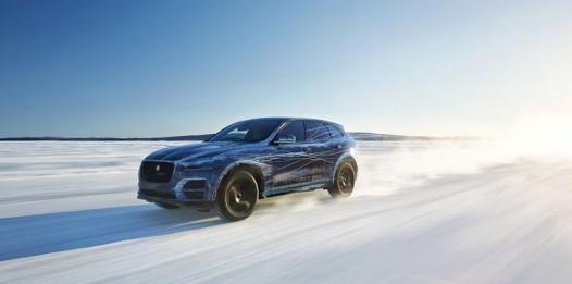 Jaguar-F-Pace-Reveal-19-526x261